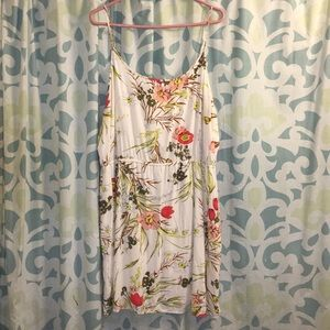🆕 Old Navy White floral summer dress